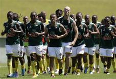 <p>Seleção sul-africana de futebol realiza treino em Teresópolis, em preparativos para a Copa do Mundo em junho. REUTERS/Sergio Moraes</p>