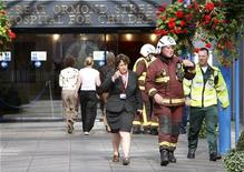 <p>Londra, ingresso del Great Ormond Street Hospital in foto d'archivio. REUTERS/Suzanne Plunkett</p>