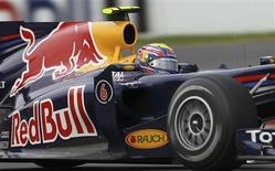 <p>A Red Bull negou estar usando um polêmico sistema de controle de altura em seus carros. 27/03/2010 REUTERS/Mark Horsburgh</p>