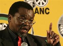<p>ANC Secretary General Gwede Mantashe gestures during a media briefing at the ANC headquarters in Johannesburg April 6, 2009. REUTERS/Siphiwe Sibeko</p>
