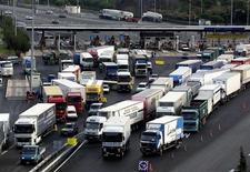 <p>Traffico in autostrada in foto d'archivio. REUTERS/Eric Gaillard</p>