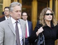 <p>Michael Douglas and his ex-wife Diandra Douglas leave a Manhattan federal court after the sentencing of their son Cameron Douglas in New York April 20, 2010. REUTERS/Shannon Stapleton</p>