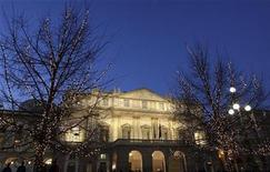 <p>Lights are placed on the trees in front of La Scala Opera Theater in Milan December 7, 2008. REUTERS/Stefano Rellandini</p>