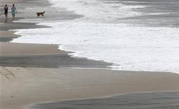<p>La spiaggia di Copacabana a Rio de Janeiro. REUTERS/Sergio Moraes (BRAZIL - Tags: SOCIETY)</p>