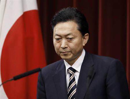 5月31日、鳩山政権の支持率下落に歯止めがかからないなか、市場の視線は参院選後の政権の枠組みに移っている。写真は鳩山首相。都内で28日撮影(2010年 ロイター/Toru Hanai)