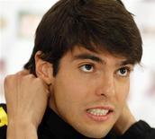 <p>Kaká durante coletiva de imprensa em Johanesburgo. Kaká pela primeira vez será a principal estrela da seleção brasileira na Copa do Mundo de 2010, e tentará provar que ainda está entre os melhores do planeta, após uma temporada marcada pela desconfiança no Real Madrid. 04/06/2010 REUTERS/Paulo Whitaker</p>