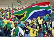 <p>South African supporters cheer their team before the international friendly soccer match against Denmark at the Super Stadium in Pretoria, South Africa, June 5, 2010. REUTERS/Siphiwe Sibeko</p>