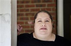 <p>Donna Simpson posa para una fotografía en su hogar de Old Bridge, Nueva Jersey, jun 8 2010. REUTERS/Lucas Jackson (UNITED STATES)</p>