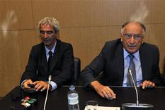 <p>Outgoing French Federation president Jean-Pierre Escalettes (R) and French soccer team outgoing coach Raymond Domenech (L) attend a French parliamentary hearing about the team's World Cup debacle at the National Assembly in Paris June 30, 2010. REUTERS/Philippe Wojazer</p>