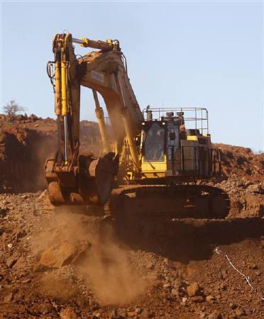 7月2日、豪政府は、業界が反対していた資源新税について、修正案で主要鉱山会社と合意したと発表。写真は豪西部ポートヘッドランド近郊の鉱山。6月撮影(2010年 ロイター/Tim Wimborne)
