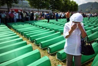 Mourning the Srebrenica massacre