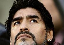 <p>Técnico da seleção argentina, Diego Maradona, antes do jogo de quartas de final contra a Alemanha. A Associação de Futebol Argentino ofereceu a Maradona dirigir a seleção até o Mundial de 2014 no Brasil. 03/07/2010 REUTERS/Dylan Martinez</p>