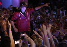 <p>Singer Justin Bieber performs at the 2010 MuchMusic Video Awards in Toronto June 20, 2010. REUTERS/Mike Cassese</p>