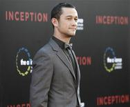 "<p>El actor Joseph Gordon-Levitt posa a su arribo a la premiere del filme ""Inception"" en el teatro chino Grauman en Hollywood, California, jul 13 2010. REUTERS/Mario Anzuoni (UNITED STATES)</p>"