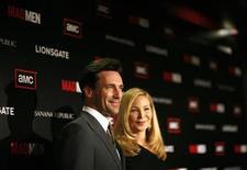 """<p>Cast member Jon Hamm and actress Jennifer Westfeldt pose at the premiere for the fourth season of the television series """"Mad Men"""" at the Mann 6 theatre in Hollywood, California July 20, 2010. The fourth season debuts on July 25. REUTERS/Mario Anzuoni</p>"""