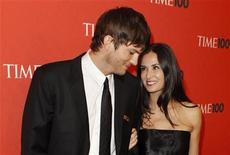 """<p>Actors Ashton Kutcher (L) and Demi Moore arrive for the """"Time Magazine's 100 Most Influential People in the World"""" gala in New York May 4, 2010. REUTERS/Lucas Jackson</p>"""