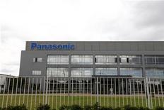 <p>Le japonais Panasonic va multiplier par presque cinq la capacité de production de son usine chinoise d'écrans plasma d'ici à mars 2013 pour faire face à la demande croissante de téléviseurs dans le pays. /Photo d'archives/REUTERS/Aly Song</p>
