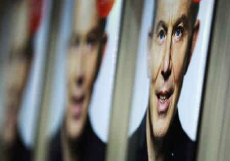 Copies of the political memoirs of Britain's former Prime Minister Tony Blair, ''A Journey'', are displayed in a bookshop in London September 1, 2010.  REUTERS/Luke MacGregor
