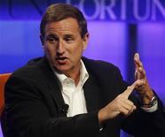<p>Hewlett-Packard et Oracle ont annoncé lundi soir avoir réglé à l'amiable leur différend judiciaire au sujet du recrutement par le second de Mark Hurd (photo), l'ex-directeur général du premier. /Photo d'archives/REUTERS/Fred Prouser</p>