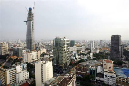 9月24日、10月下旬に設立される「国際原子力開発」の社長に就任する武黒氏は、当面、ベトナムでの商談に注力するとしている。写真はホーチミン市。6月撮影(2010年 ロイター/Nguyen Huy Kham)