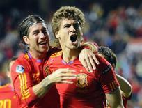 <p>Fernando Llorente, da Espanha, comemora gol em vitória por 3 a 1 sobre a Lituânia pelas eliminatórias da Eurocopa. REUTERS/Felix Ordonez</p>