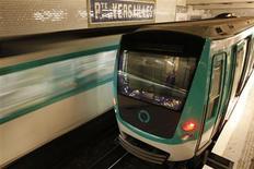<p>Le trafic à la SNCF et dans les transports en commun parisiens était conforme aux prévisions mardi à l'occasion de la journée d'action nationale contre la réforme des retraites. /Photo d'archives/REUTERS/Benoît Tessier</p>