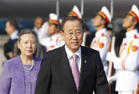 United Nations Secretary General Ban Ki-moon (R) and his wife Yoo Soon-teak arrive at Noi Bai airport in Hanoi October 28, 2010. Ban is in Hanoi for the ASEAN and related summits from October 28 to 30. REUTERS/Kham