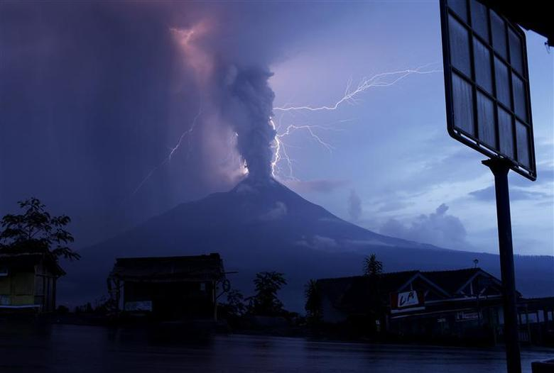 Indonesia's Mount Merapi Volcano Erupts, Sending Lava and Gas Clouds 9,000 Feet Down Its Slopes