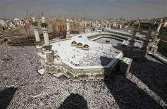 <p>Muslim pilgrims attend Friday prayers at the Grand mosque in Mecca, November 12, 2010, during the annual haj pilgrimage. The haj is one of the world's biggest displays of mass religious devotion and a duty for Muslims who can perform it. REUTERS/Mohammed Salem</p>