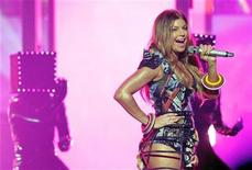 <p>Fergie of The Black Eyed Peas performs 'The Time' at the 2010 American Music Awards in Los Angeles, November 21, 2010. REUTERS/Mario Anzuoni</p>