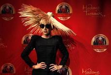 """<p>Una figura de cera de la cantante estadounidense Lady Gaga, en el museo Madame Tussauds en Nueva York. Dic 9 2010 Ocho figuras de cera de la cantante de """"Poker Face"""", Lady Gaga, han sido presentadas en los museos de cera de Madame Tussauds en todo el mundo, y cada una de ellas va vestida de forma diferente para dejar constancia del estilo provocador de la estrella musical. REUTERS/Mike Segar</p>"""