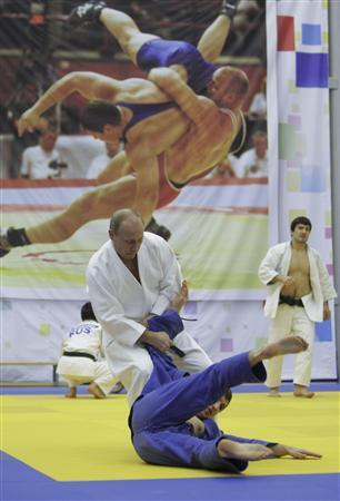 Putin Takes It On The Chin From Former Judo Coach Reuters Com