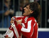 <p>O zagueiro argentino Martin Demichelis, do Bayern de Munique, perdeu a condição de titular nesta temporada, e estava interessado em trocar de clube. 29/10/10 REUTERS/Michael Dalder</p>