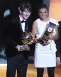 <p>Argentino Lionel Messi e a brasileira Marta, eleitos pela Fifa os melhores jogadores de futebol do mundo em 2010, em cerimônia em Zurique. 10/01/2011 REUTERS/Arnd Wiegmann</p>