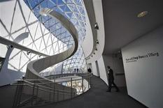 <p>Security personnel walk outside the third floor galleries after the grand opening and dedication for the new Dali Museum in St. Petersburg, Florida, January 11, 2011. REUTERS/Steve Nesius</p>