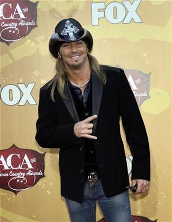 da3a8ff5fa583  p Musician Bret Michaels arrives for the American Country Awards show at  the MGM Grand Resort in Las Vegas