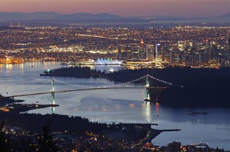 2月21日、英誌エコノミストの世界で最も住みやすい都市ランキングで、カナダのバンクーバーが5年連続で1位になった。昨年2月撮影(2011年 ロイター/Mike Blake)