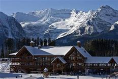 <p>A morning view of the Whiskey Jack Lodge at the foot of the ski hills in Lake Louise, Alberta situated in Banff National Park in the Canadian Rockie Mountains. December 1, 2009. REUTERS/Andy Clark</p>