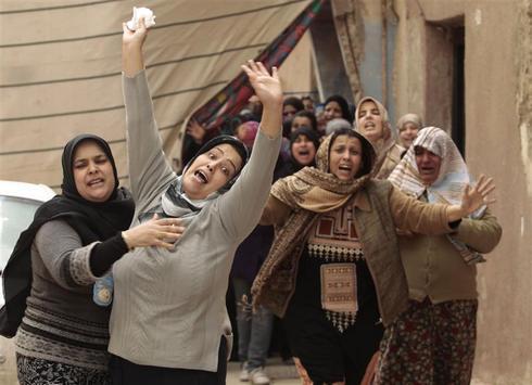 Burying the dead in Libya