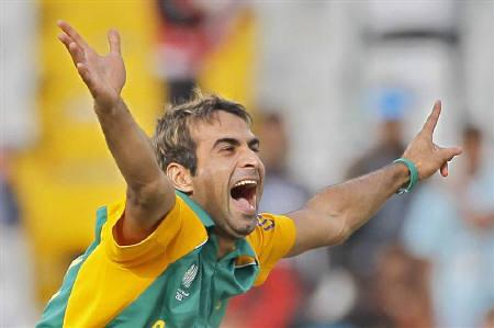 South Africa's love affair with Tahir grows - Reuters