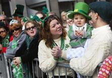 <p>People watch the St. Patrick's Day parade in New York, March 17, 2010. REUTERS/Shannon Stapleton</p>