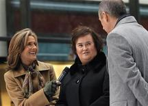 """<p>Hosts of NBC's """"Today"""" show Matt Lauer and Meredith Vieira (L) interview British singer Susan Boyle (C) on the show in New York, November 23, 2009. REUTERS/Brendan McDermid</p>"""