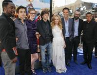 """<p>Foto de archivo del elenco de la película """"Rio"""" a su llegada al estreno de la cinta en el teatro chino de Hollywood, EEUU, abr 10 2011. Espectadores de todo el mundo acudieron a ver """"Rio"""" durante el fin de semana. REUTERS/Jason Redmond</p>"""