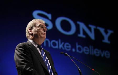 Howard Stringer, chief executive and president of Sony Corporation, speaks at a function to launch the Sony Media Technology Centre at a film school on the outskirts of Mumbai March 4, 2011. REUTERS/Danish Siddiqui/Files