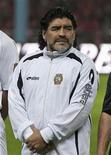 Diego Maradona na abertura do novo estádio Akhmad-Hajji Kadyrov na capital da Chechênia, Grózni. Foi anunciado nesta segunda-feira, que Maradona assinou um contrato de duas temporadas para ser o técnico do Al Wasl, de Dubai. Foto de Arquivo. 11/05/2011 REUTERS/S.Dal