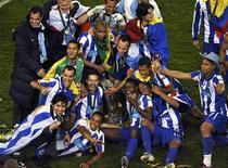 Jogadores do Porto comemoram título da Liga Europa. 18/05/2011  REUTERS/Dylan Martinez