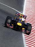 Piloto da Red Bull Mark Webber durante treino livre para o GP da Espanha, no Circuit de Catalunya. O australiano fez a melhor volta nesta sexta-feira. 20/05/2011  REUTERS/Susana Vera
