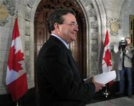 <p>Canada's Finance Minister Jim Flaherty arrives to speak to journalists on Parliament Hill in Ottawa May 25, 2011. Flaherty announced that the Conservative government will introduce its budget on June 6. REUTERS/Chris Wattie</p>