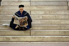 <p>A Harvard professor waits for the start of the 360th Commencement Exercises at Harvard University in Cambridge, Massachusetts May 26, 2011. REUTERS/Brian Snyder</p>
