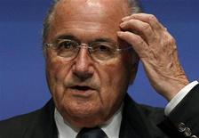 Presidente da Fifa, Joseph Blatter, em coletiva de imprensa na sede da entidade, em Zurique, Suíça. 30/05/2011 REUTERS/Arnd Wiegmann